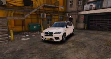 Unmarked BMW X5