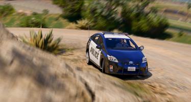 Моды для GTA 5 Toyota Prius Police