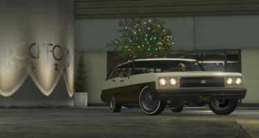 Regina Christmas Car