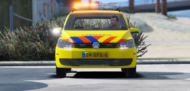 2011 Volkswagen Touran Dutch Ambulance Rapid Responder