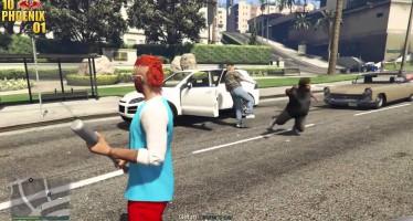 Несколько видео от игроков GTA Online показывают сварливый характер Лестера, а также парочку отважных полицейских